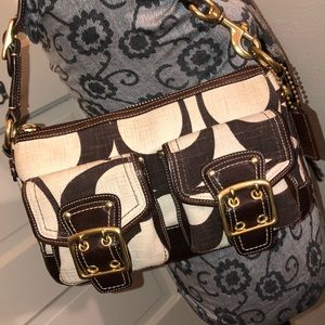 Coach signature C canvas & Leather Shoulder Bag